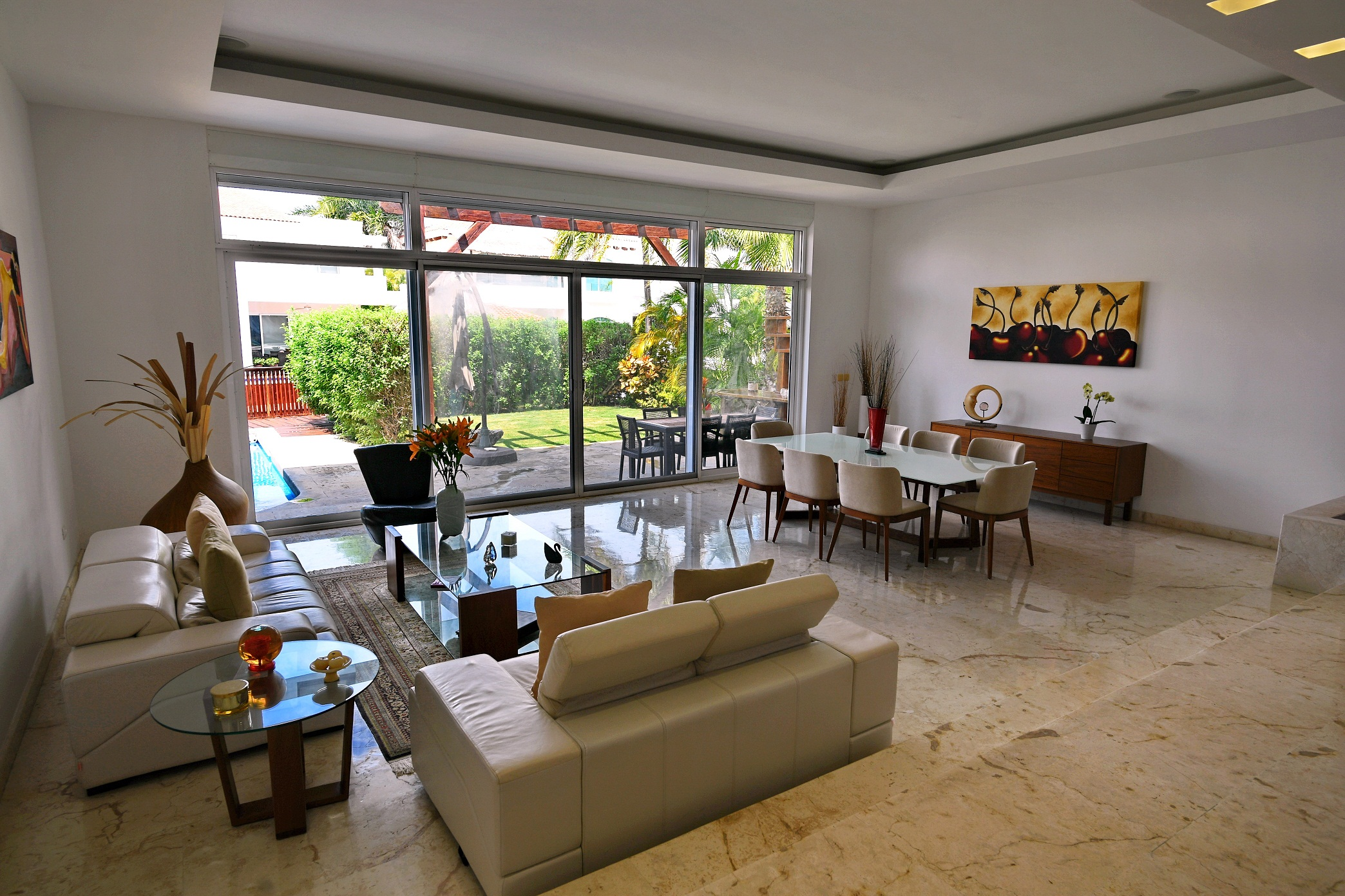 Residencia en Venta 4 recámaras, 6.5 baños, Isla Dorada Zona Hotelera Cancún