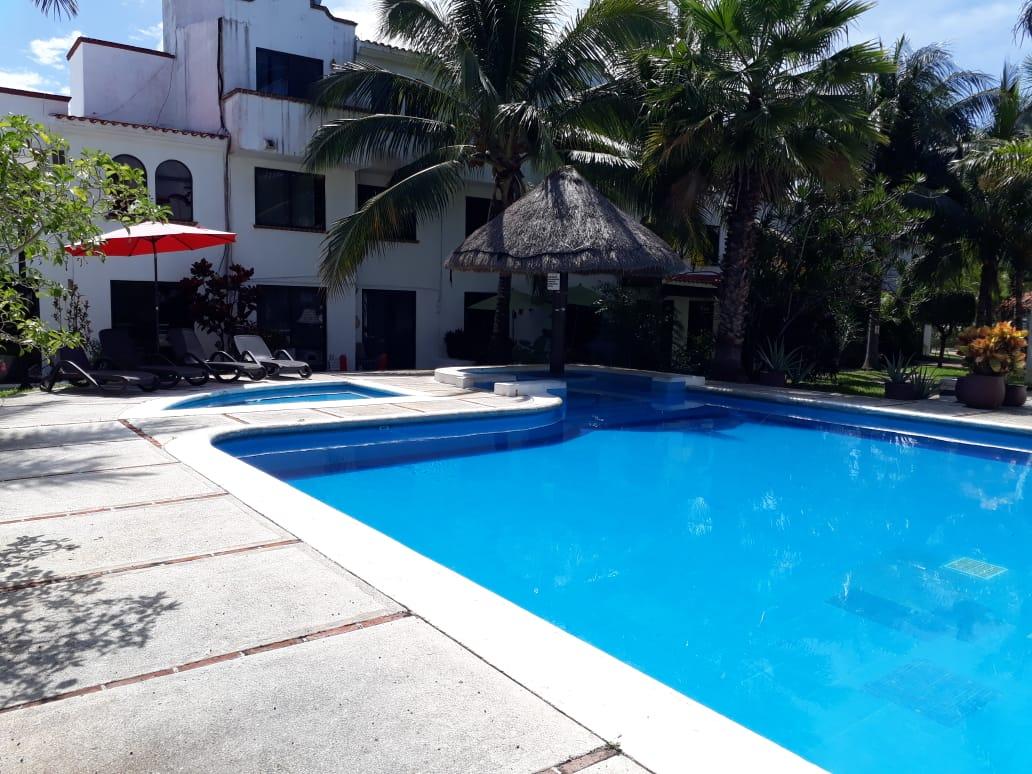 BAJA DE PRECIO Casa Venta Cancun alberca SM 18 Portofino