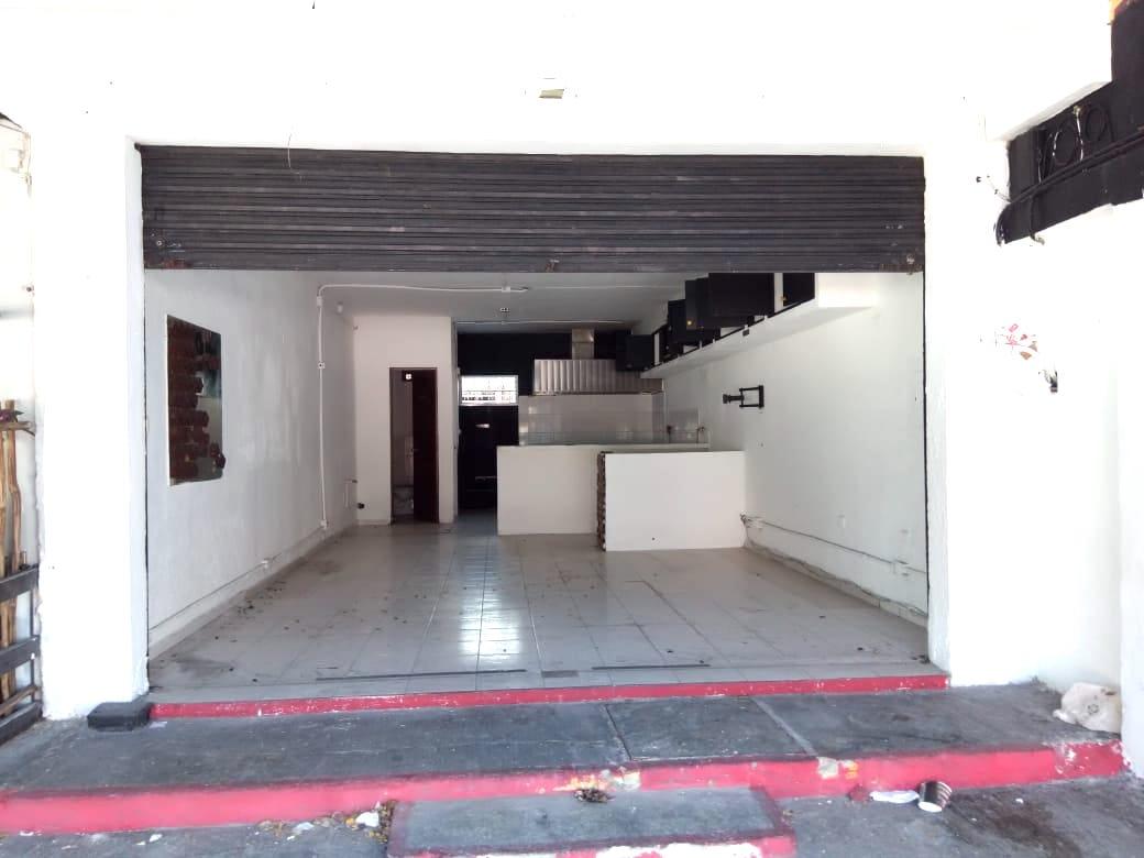 Local Renta sobre avenida Palenque Cancun
